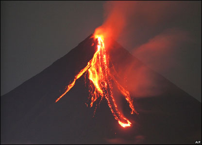 Super volcanoes produce the largest