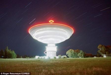 Parkes_radio_telescope