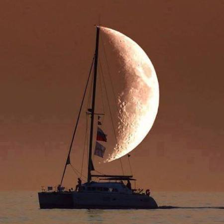 sailboat_moon