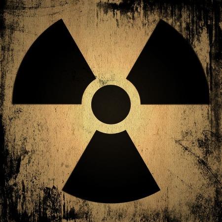 radioactive-1361418_640