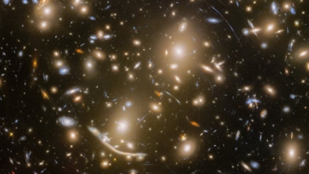 hubble-abell-370-galaxies