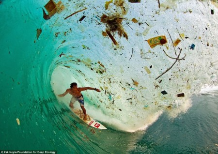 indonesia_trash_wave