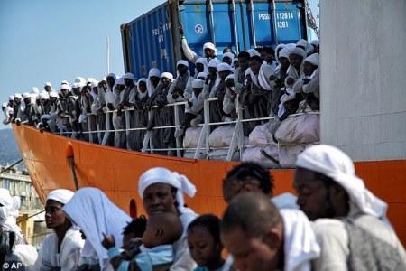 migrants_italy.jpg