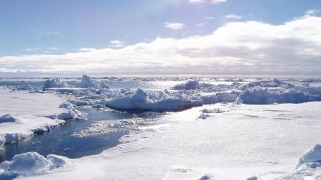 Winter-Antarctica-Ice-Iceberg-Sun-Sky