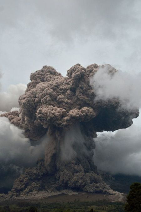 sinabung-volcano-indonesia
